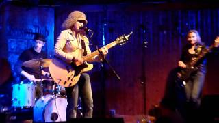 Lisa Marshall Band: Clean Up Woman