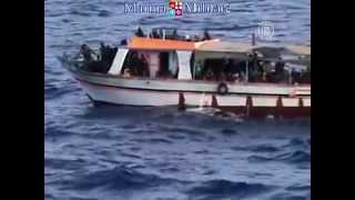 22 мигранта утонули у греческого острова Самос (новости)(http://www.ntdtv.ru 22 мигранта утонули у греческого острова Самос. Неподалёку от греческого острова Самос в Эгейско..., 2014-05-06T07:57:59.000Z)