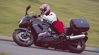 Kawasaki GPZ1100 exhaust sound and fly by