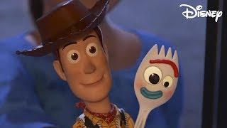 Toy Story 4 - Woody evita que Forky se arroje a la Basura (Español Latino) 1080p