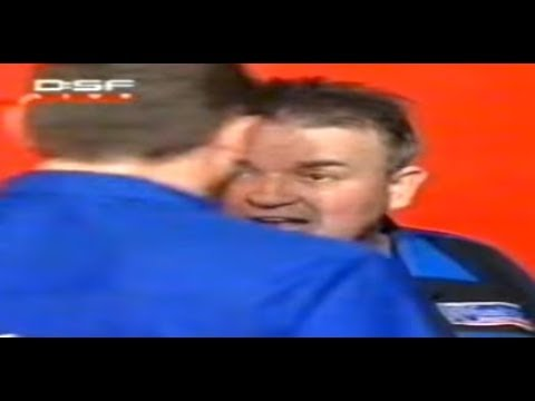 Phil Taylor vs. Kevin Painter Incident - 2005 PDC World Championship