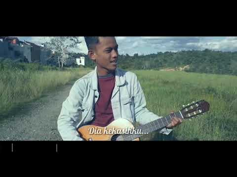 Cover Motif - Tuhan Jagakan Dia By Oi (Video Clip)