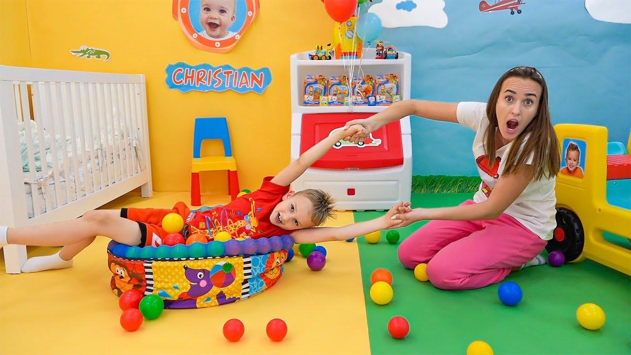 Vlad e Niki brincam com o bebê Chris | Vídeos engraçados para crianças