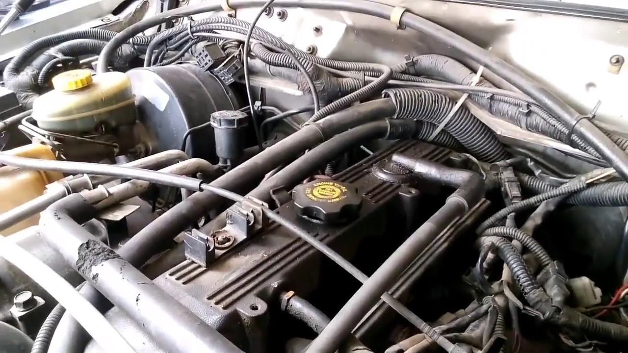 Jeep Cherokee 2,5 noise piston skirt broken - YouTube