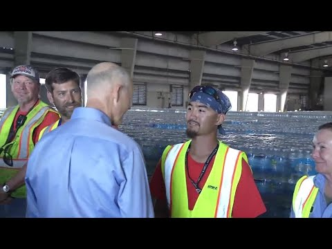 Governor tours supply ships