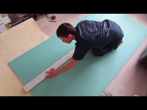 Как спрятать газовую трубу в коридоре