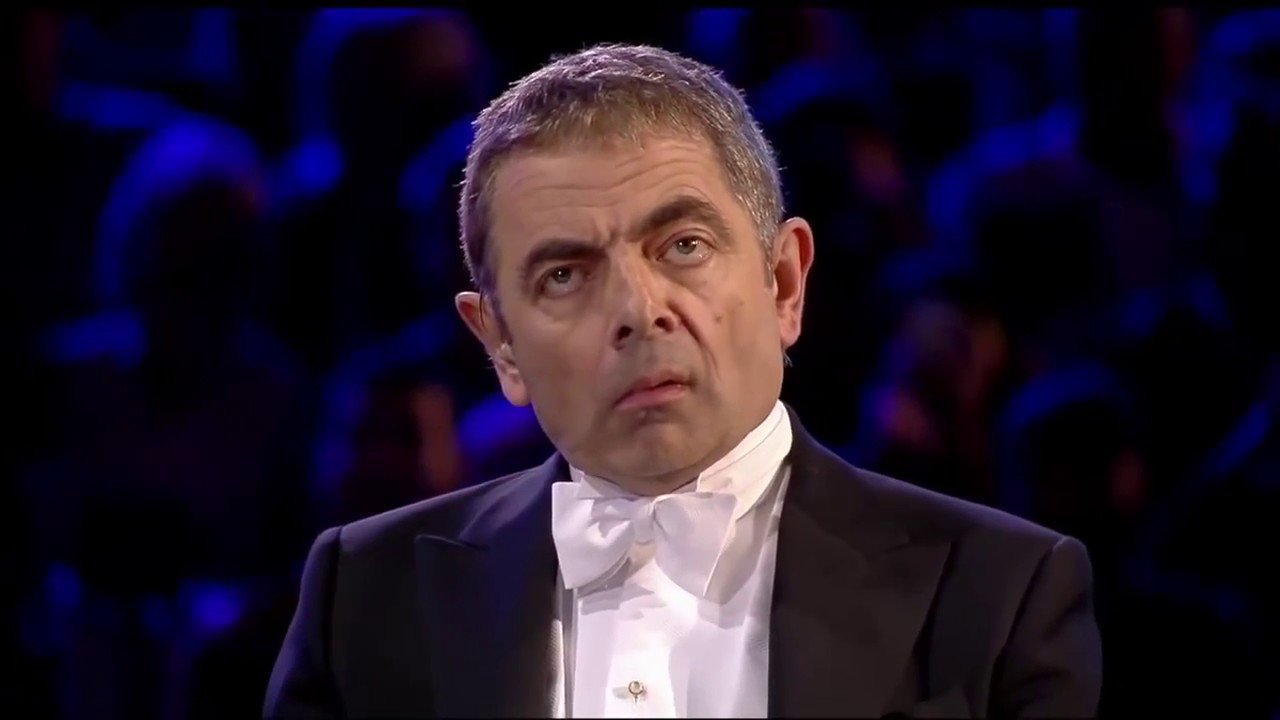 مستر بين يبدع دائما يعزف الموسيقى في حفل كبير ويضحك الملايين كالعادة هههه Mr Bean Youtube Youtube