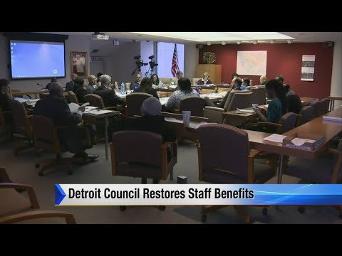 Detroit council restores staff benefits