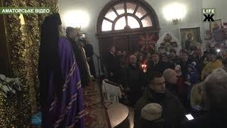 Сотні житомирян молилися за Україну разом з президентом