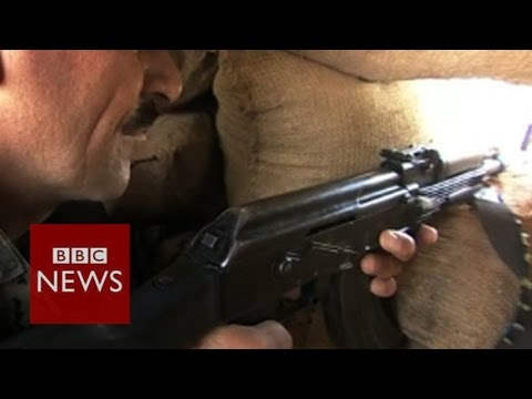 Life on Iraq's frontlines against IS - BBC News