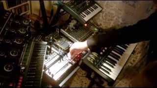 PanzerLyu - Skyshaper (Akai Miniak - Korg MicroKORG/Volca Bass/Keys - Kaossilator2 - Microbrute)