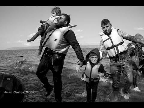 Así llegan refugiados a Lesbos - Octubre 2015