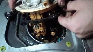 Замена фильтра в главном насосе бака Митцубиси Лансер Цедиа GDI 4WD (MITSUBISHI LANCER CEDIA)