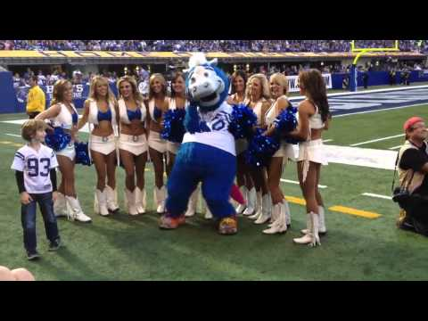 Lenny on the field with Blue and Colts  Cheerleaders!!