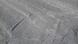 Часть №7 Заливаем бетонную основную стартовую стяжку  для капитального пола на земле(Показываю процесс заливки бетонного основания пола на земле Плейлист пол на земле https://www.youtube.com/playlist?list=PL..., 2015-11-26T17:30:45.000Z)