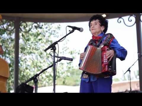 Antonia Apodaca y Trio Jalapeño: Traditional New Mexico Folk MusicSpanish Market 2013