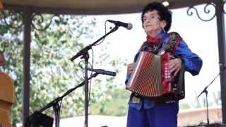 Antonia Apodaca y Trio Jalapeño: Traditional New Mexico Folk Music-Spanish Market 2013