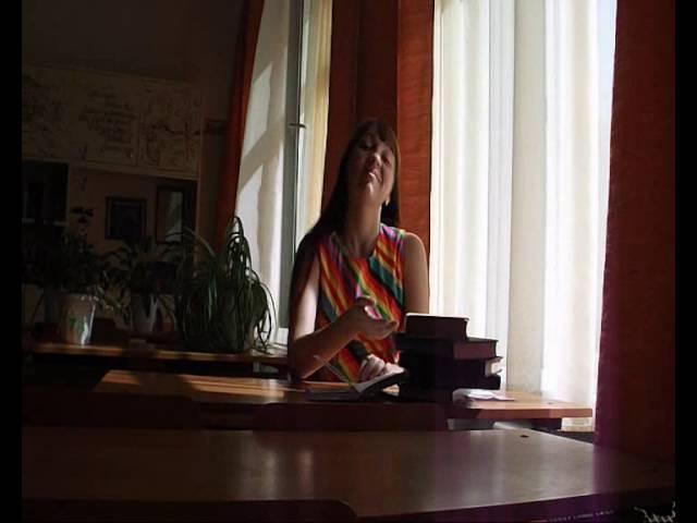 Изображение предпросмотра прочтения – ДарьяМаврина читает произведение «Вечер» И.А.Бунина