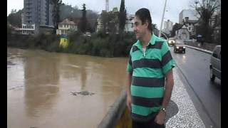 VIDEO DA ENCHENTE EM BLUMENAU SC 22 09 2013 AS 14 E 30 MINUTOS