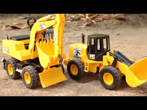 รีวิว รถแม็คโคร รถตักดิน บังคับด้วยมือ - วีดีโอสำหรับเด็ก