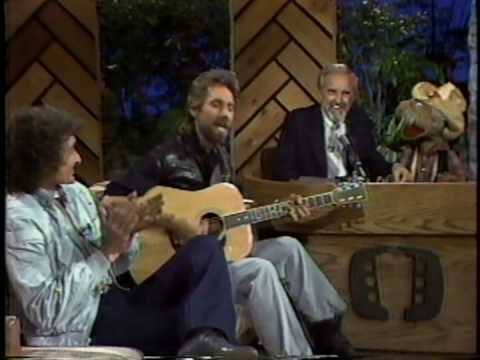 Gary Puckett on acoustic