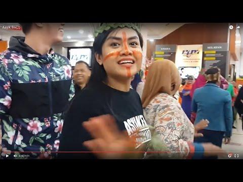 Meriah Ramai Ramai Menari Sewang Dengan Asyik Fm Feat Gombak Busker