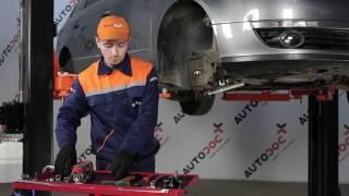 Kuinka vaihtaa eteen pallonivel VW PASSAT B6 -merkkiseen autoon OHJEVIDEO | AUTODOC