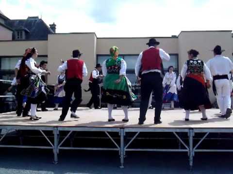 Groupe folklorique portugais la belle vie de tulle for Chaise dieu du theil