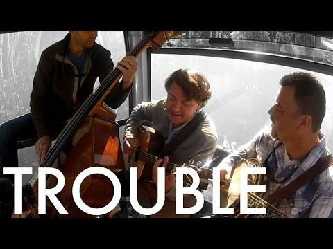 Keller Williams and The Travelin' McCourys COVER Taylor Swift: Trouble