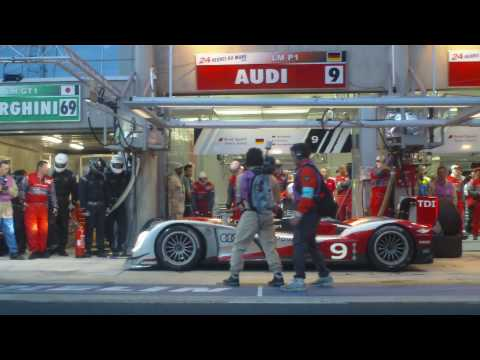 Audi R15 TDI #9 Pit Stop at 2010 24 Hours of Le Mans