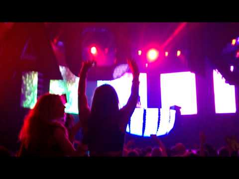 "Steve aoki - ""bring you to life"" transcend live"