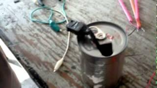 lampara de mesa con material reciclado