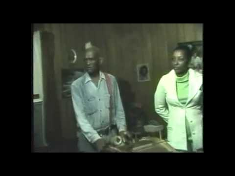 Lucius Smith & Jessie Mae Hemphill on drums and Sid Hemphill (1978)