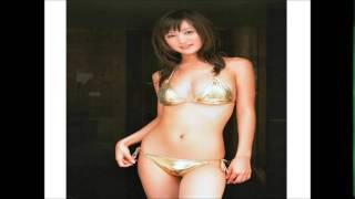 小松彩夏(27)さん、ビキニ がお似合いの彼女、勿論スレンダーボディー...