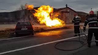 Alba24 Video: Accident Petrești. Auto a lovit o conducta de gaz