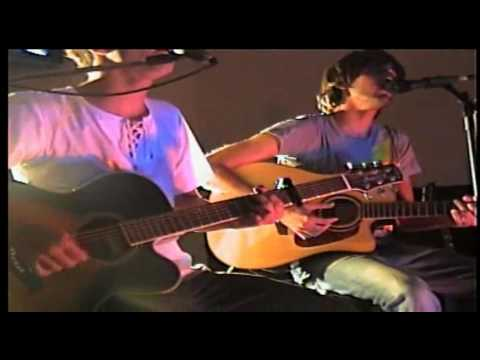Beautiful Lord (acoustic)  - Leeland (Portuguese) R.G. Cover
