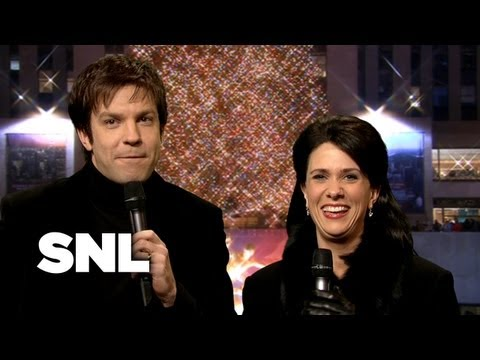 Cold Opening: Tree Relighting - Saturday Night Live