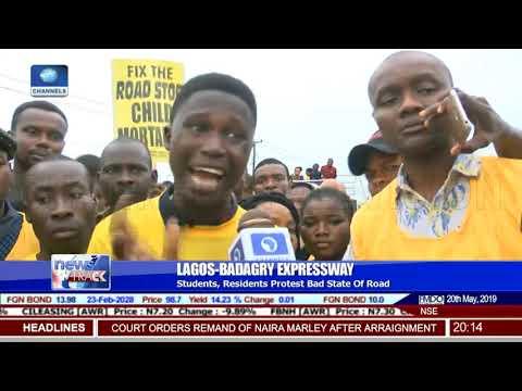Residents, Activists Give FG Ultimatum To Fix Lagos Badagry Expressway