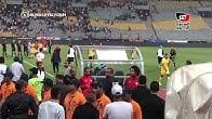حجازي يوفي بوعده ويعطي مشجعة التيشرت الخاص به بعد انتهاء المباراة