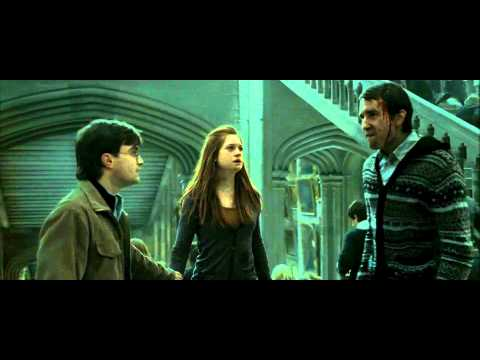 Harry Potter and the Deathly Hallows - Part 2 (The Battle of Hogwarts Scene - HD)