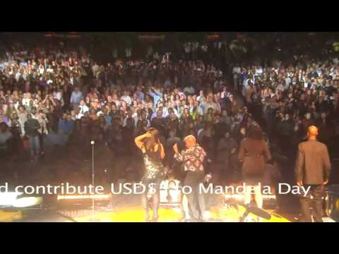 "Alicia Keys and Angelique Kidjo perform ""Afrika"" at Mandela Day 2009 from Radio City Music Hall"