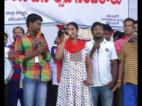 Telu Vijaya Excellent Song At 5K Run In Karimnagar |Telangana Formation Day Celebrations| DECCAN TV