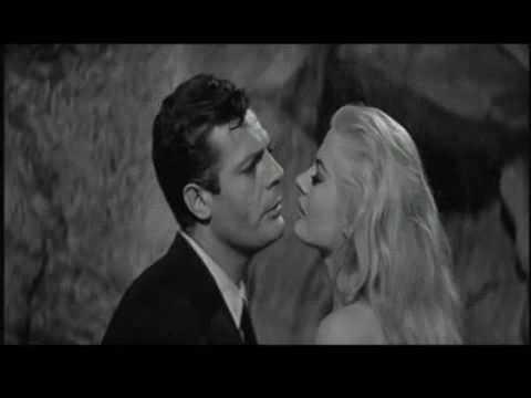 Trailer do filme Fellini Black and White