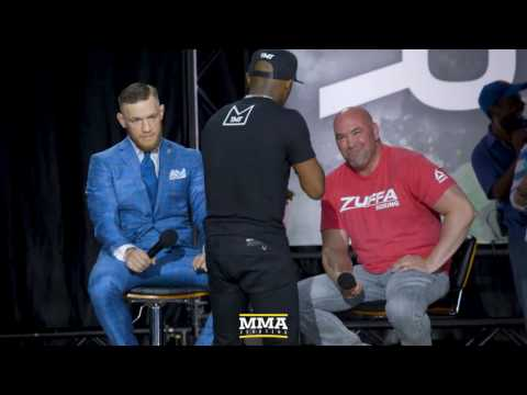 Thumbnail: Floyd Mayweather Makes Bet With Conor McGregor During Speech - MMA Fighting