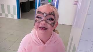 Alice pretend play in park for kids PORT AVENTURA !!!