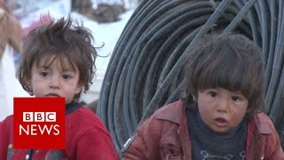 IS conflict  Raqqa residents flee looming battle   BBC News