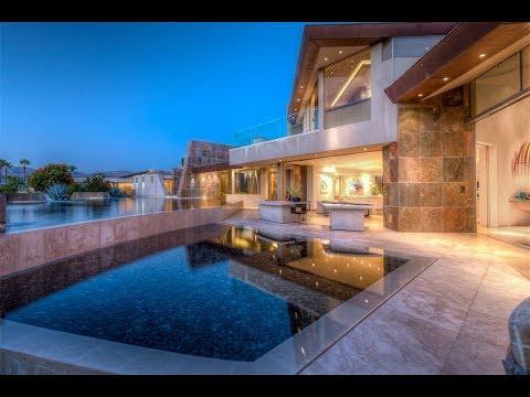 Sophisticated and Modern Estate in Rancho Santa Fe, California