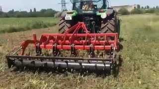 Tractor Deutz Fahr si scarificator OZDOKEN