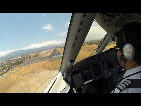 Aterrizaje en San Jose, Costa Rica. Cabina de pilotos. Sukhoi SSJ100