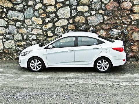 Hyundai accent blue drift - YouTube